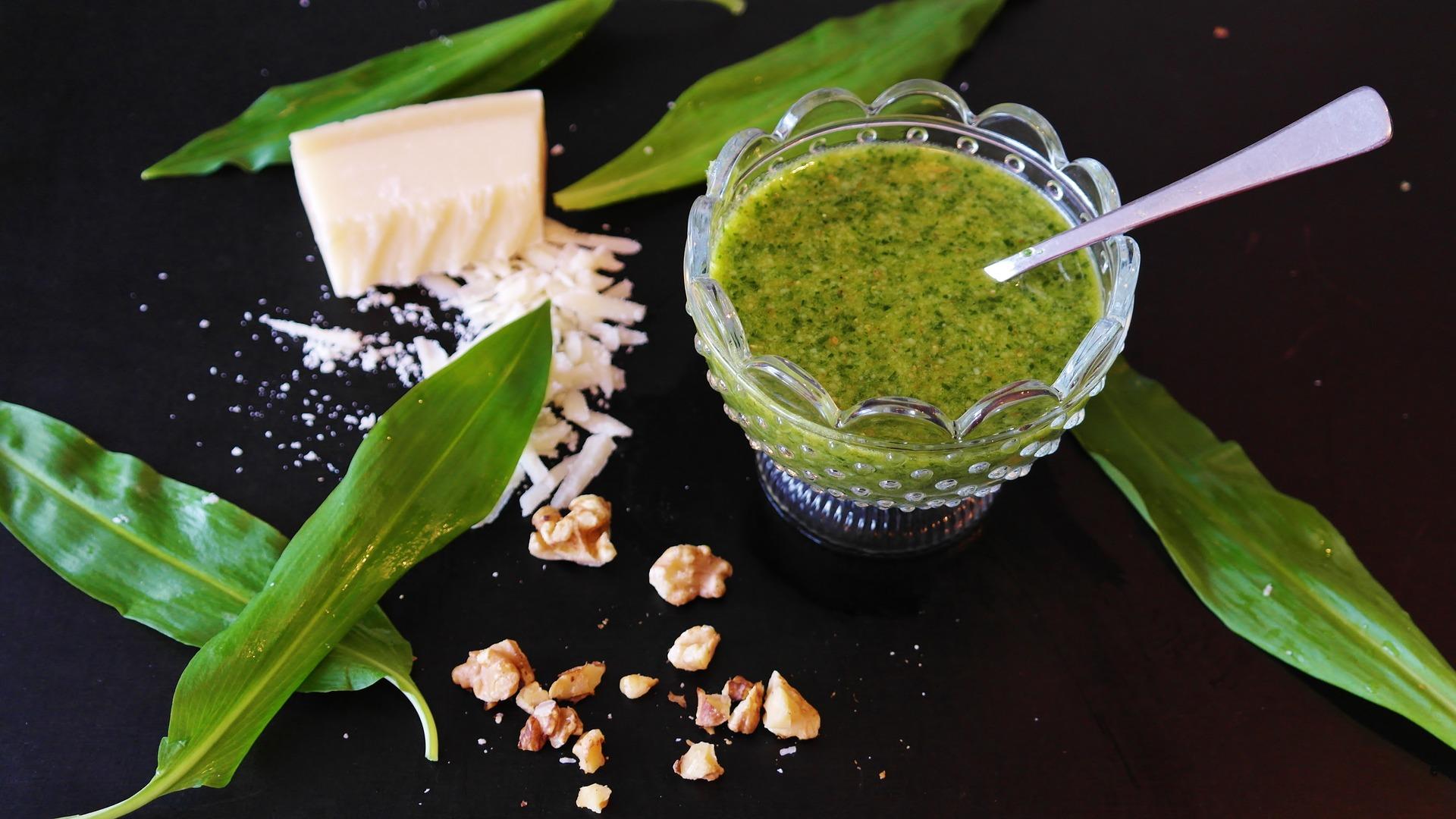 Creamy Pesto Dip & Spread